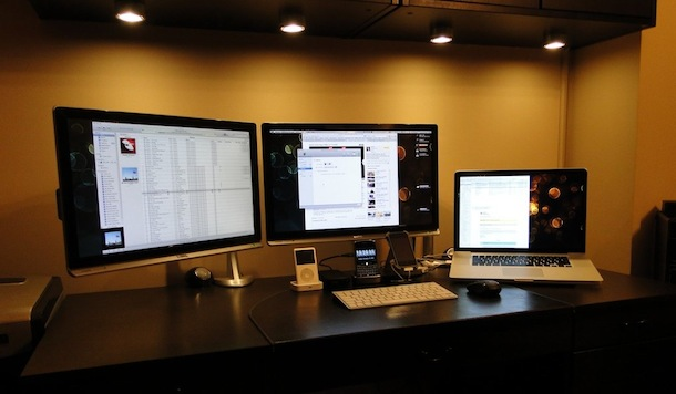 Apple UMBP Setup with 2 Benq E2200HD monitors on Ergotron Arms